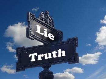 Note Lie Truth Contrary Street Sign Contrast